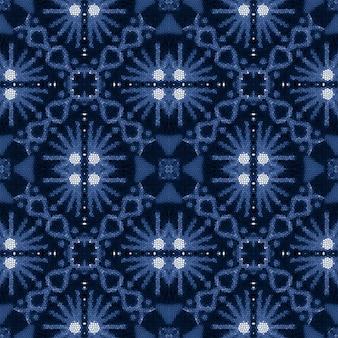 인디고 데님 흰색 화려한 배경입니다. 소식통 빈티지 패치워크. 아즈텍 패턴입니다.