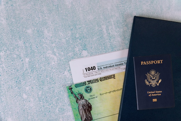 Форма 1040. форма 1040. американский паспорт сша.