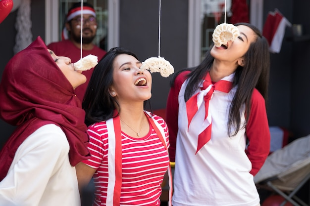 Indonesia crackers eating competition