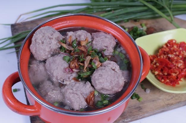 インドネシアの通りの食べ物:ミートボール