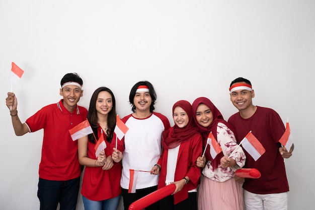 Индонезийская молодежь празднует день национальной независимости