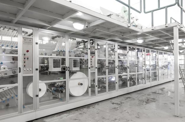 Промышленный завод завод по производству бумажной упаковки