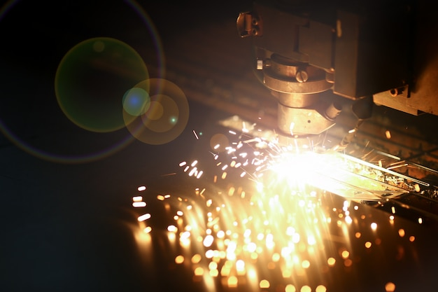 Industrial laser machine for metal