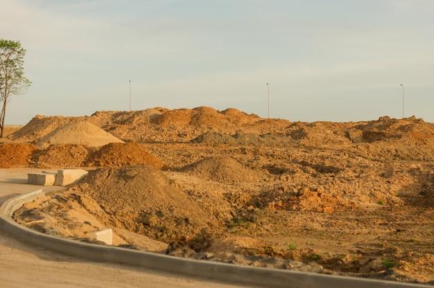 工業用砂採石場。砂場。建設用の特別な砂。建設業。