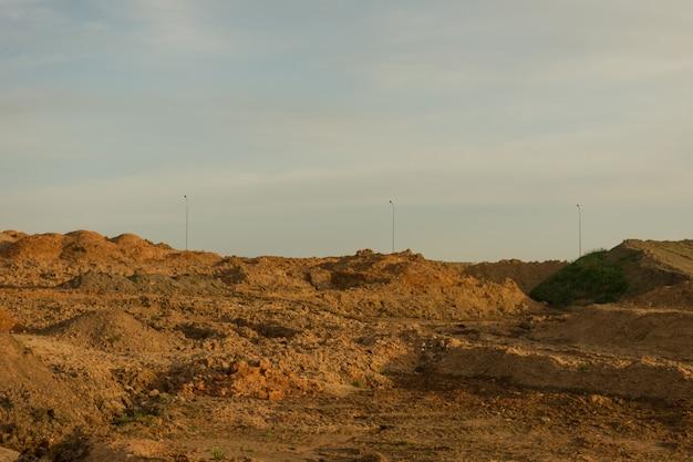 산업용 모래 채석장. 모래 구덩이. 건설용 모래. 건축 산업.