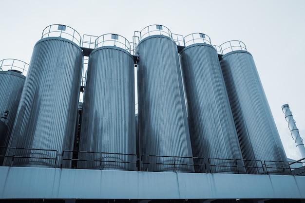 스테인리스 스틸로 만든 식품 우유 생산을 위한 산업용 사일로