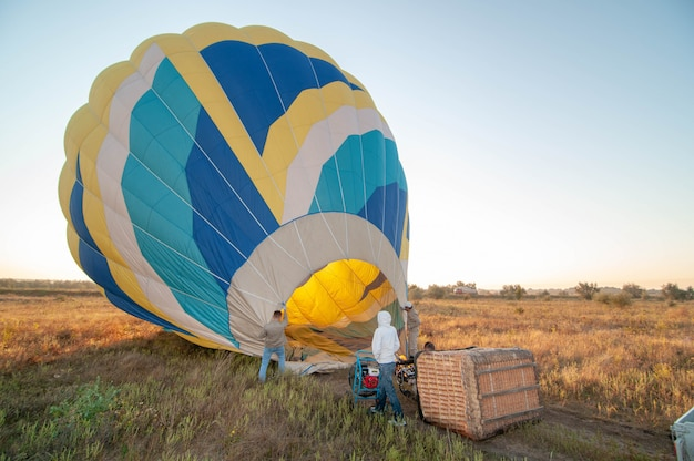 Inflating the balloon. flame burner for aerostat.
