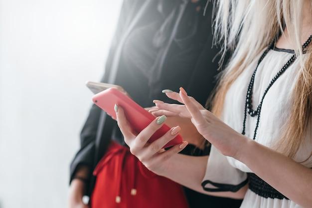 Информационные технологии. зависимость от социальных сетей. цифровая эпоха.