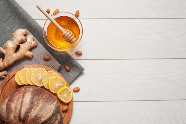 蜂蜜と生ingerの自家製パン