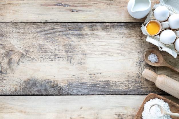 Ингредиенты для выпечки крошечных блинов