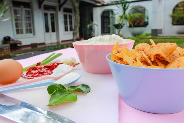 Ингредиенты для приготовления пикантных закусок на заднем дворе