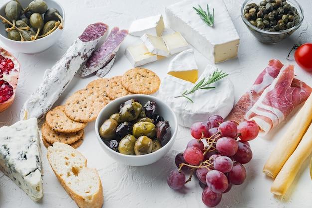 스페인 음식, 고기 cheede, 허브 세트, 화이트 재료