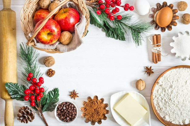 冬のクリスマスベーキングの材料。お正月の食べ物の背景。
