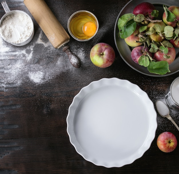Ingredients for making apple cake
