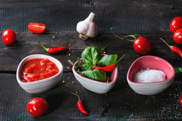 Ingredients for making ketchup