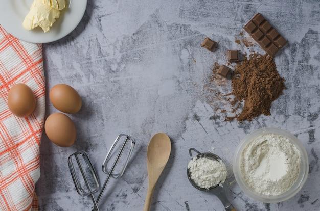 Ингредиенты для приготовления шоколадного торта винтаж