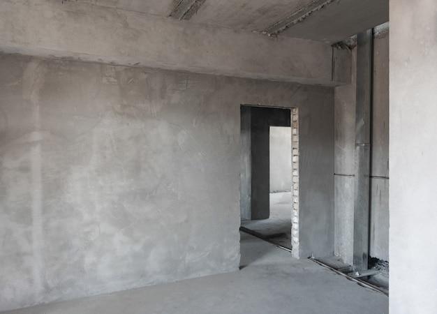 마무리 작업을 위한 건물의 초기 준비. 회 반죽 벽. 방의 기본 수리