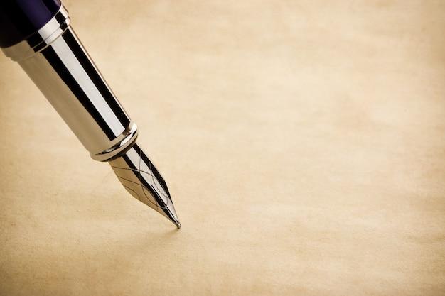 インクペンと羊皮紙