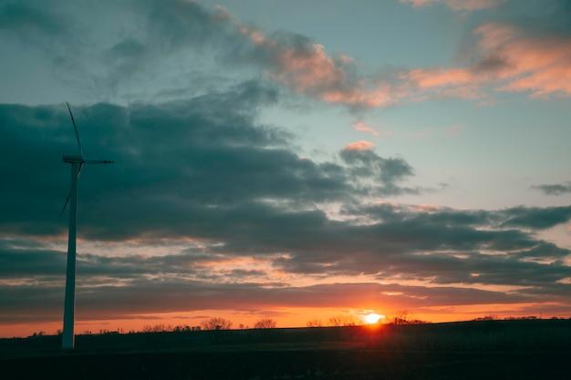 석양 빛의 감동적인 전망