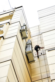 Installation of ventilation for construction climbers