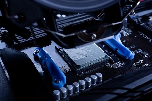 Установка или ремонт системы воздушного охлаждения процессора пк