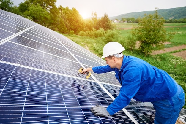 Installing of stand-alone solar photo voltaic panel system