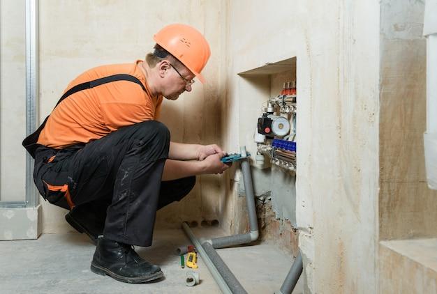 Установка системы отопления дома.