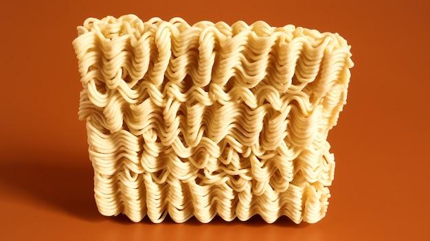 インスタントラーメンアジアンラーメン。乾燥した黄色のローフード麺。パスタ、沸騰したお湯を注いで数分待つだけで十分です。コピースペース韓国と日本の春雨。