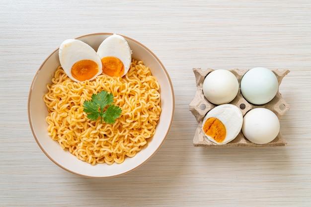 소금 계란라면 그릇