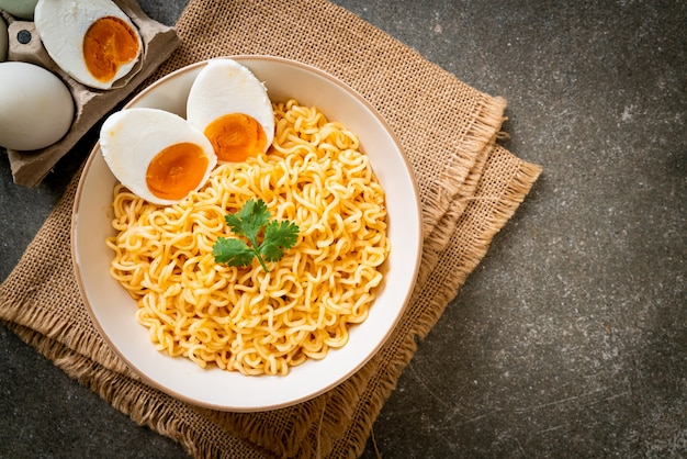 Instant noodles with salt egg