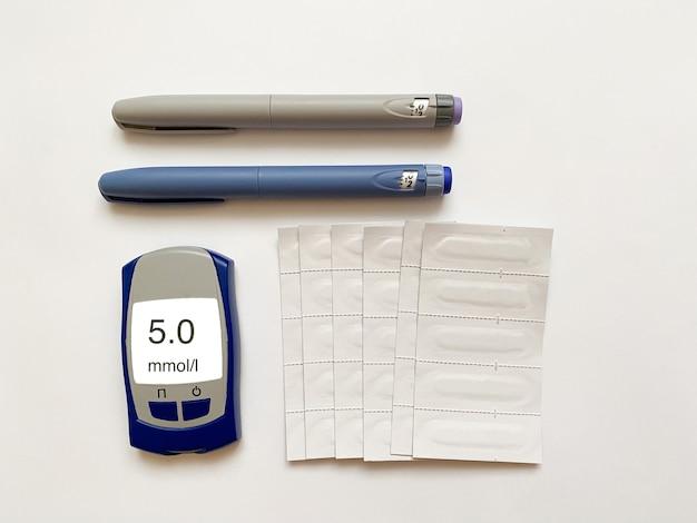 Глюкометр с коротким длинным инсулином и тест-полоски