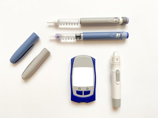 Инсулиновые короткие длинные тест-полоски для глюкометра и ручка для прокалывания пальцев