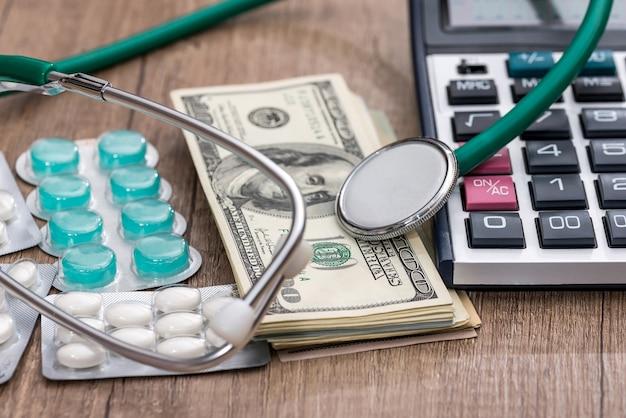 医学における保険、ヘルスケアの概念。