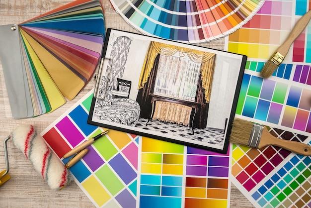 색상 팔레트와 도구가있는 인테리어 디자인 컨셉 아파트 스케치