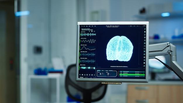 Interno del laboratorio scientifico vuoto con attrezzature moderne preparate per l'innovazione del trattamento del nervoso. sistema che utilizza strumenti ad alta tecnologia e microbiologia per la ricerca scientifica nel laboratorio neurologico