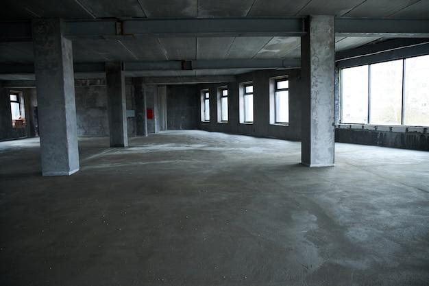 建設中の建物の内部