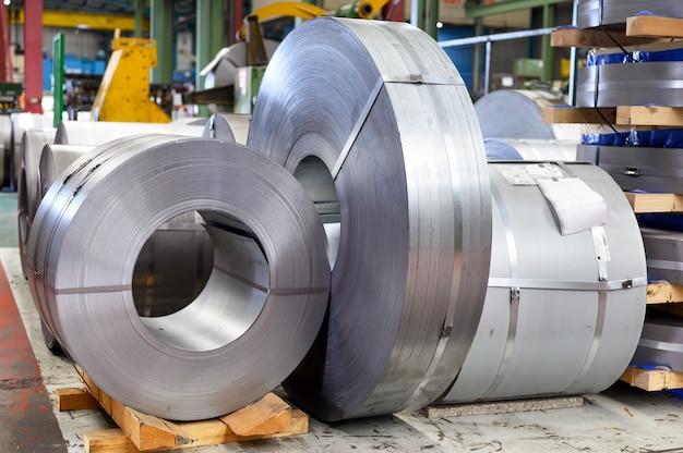 Интерьер завода по промышленной обработке металла
