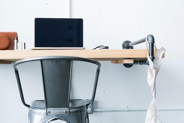 Интерьер женского рабочего места дома