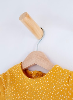 옷으로 아이 방 장식의 인테리어