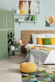 Интерьер современной стильной спальни
