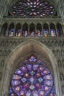 Интерьер собора нотр-дам-де-реймс