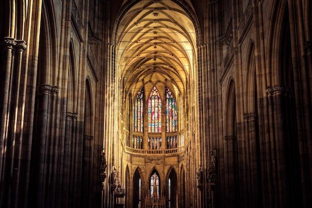 Интерьер собора святого вита. прага, чешская республика