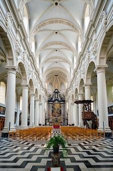 벨기에 브뤼헤의 성 발부르가 교회 내부