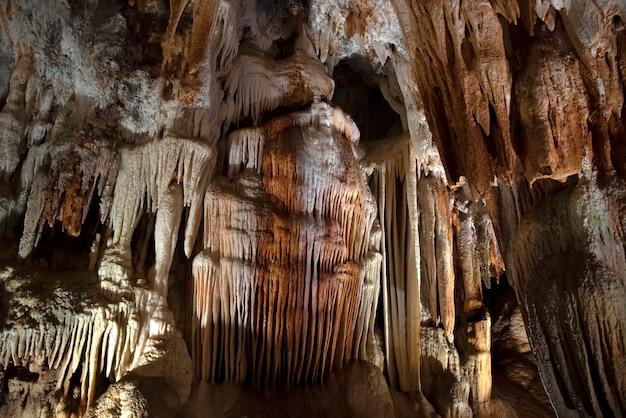 독수리 동굴의 내부
