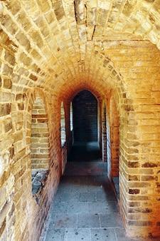 Интерьер сторожевой башни великая китайская стена, секция «митианю». пригород пекина.