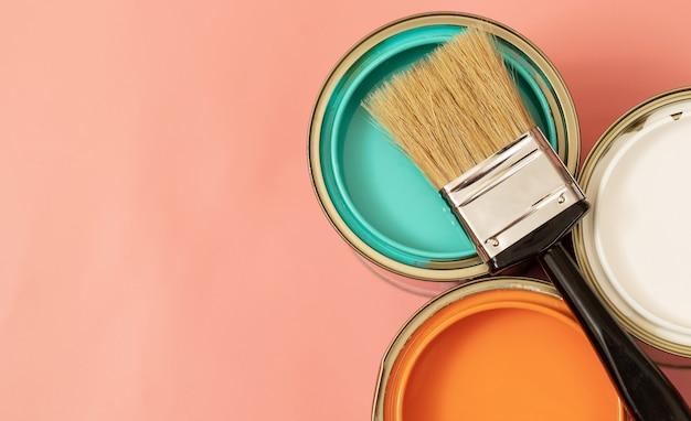 内装塗料は無臭であるか、化学薬品を含まない穏やかな臭いがなければなりません