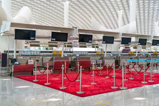 空港ターミナルの内装