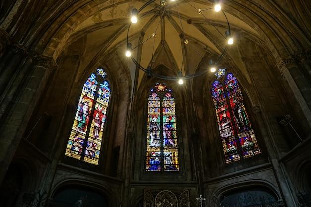 Внутренний вид собора сент-этьен в меце