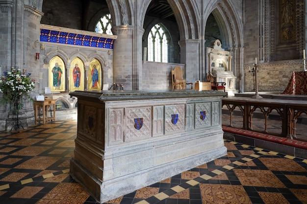 Pembrokeshire에 있는 st david's 대성당의 내부 보기