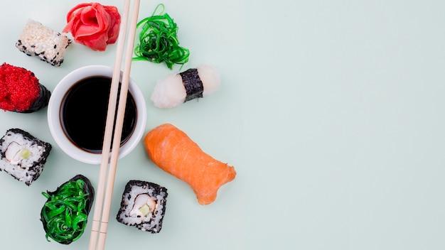 Copia-spazio internazionale di celebrazione di giorno di sushi